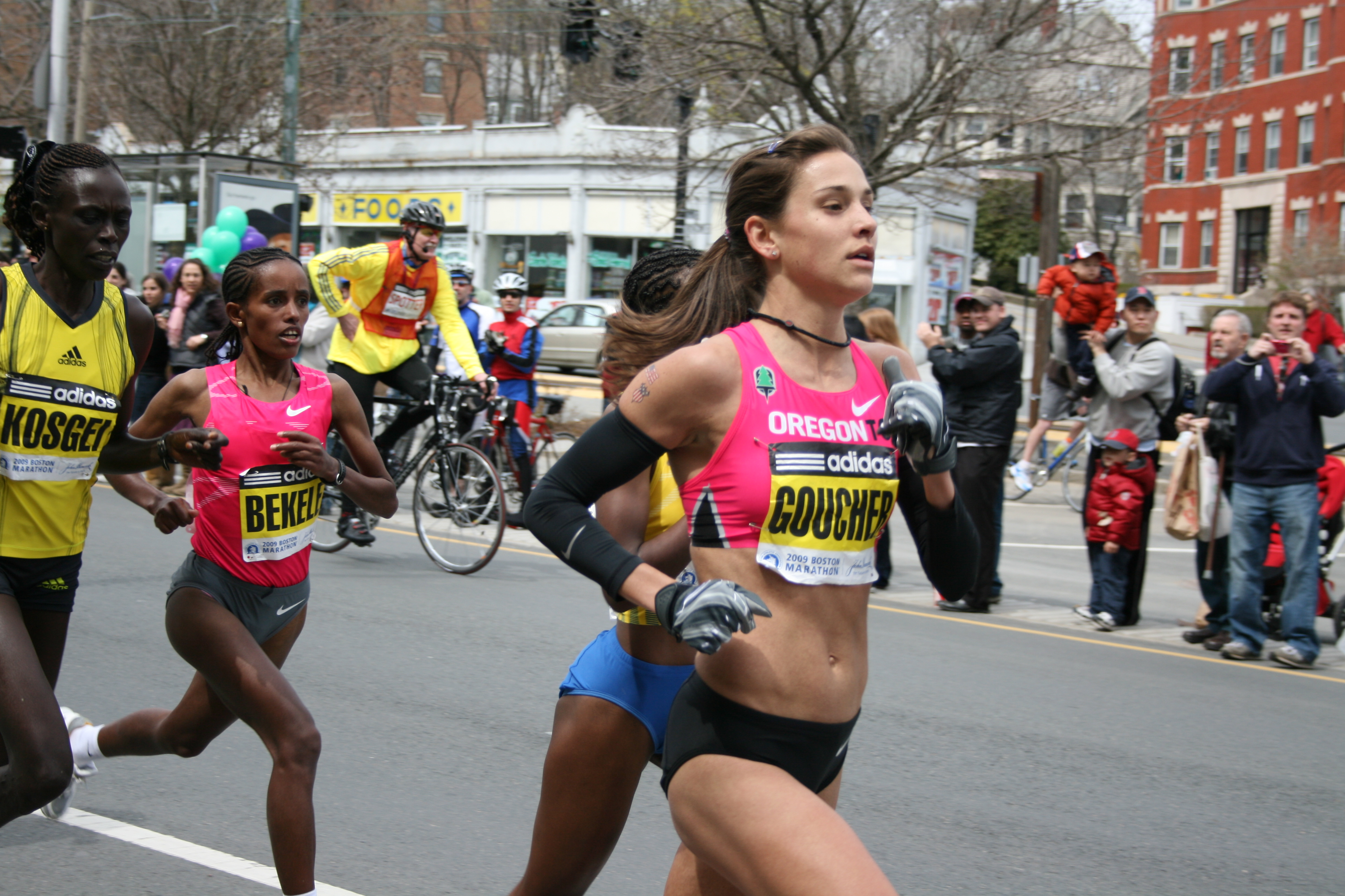 Sexy girls in a marathon, naked girls doing the move